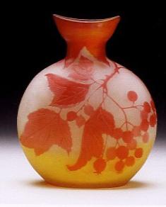 ガレ「スグリ文花瓶」