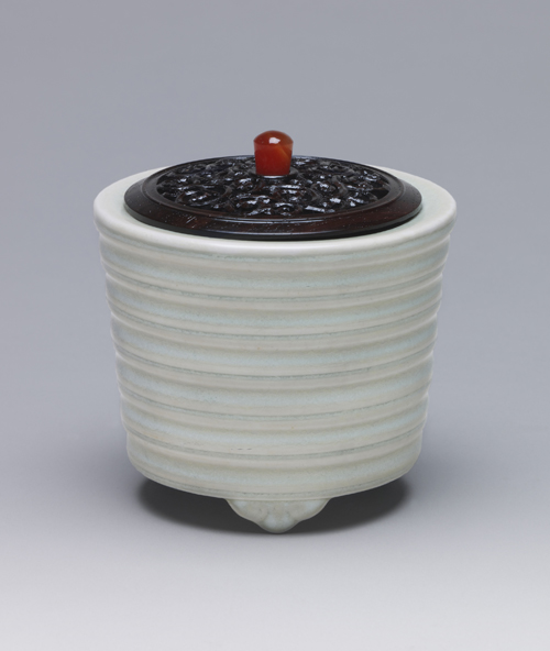 板谷波山「蛋殻磁香爐」