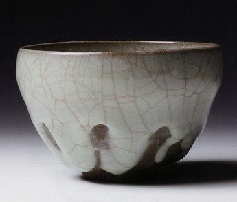 岡部嶺男「窯変米色瓷盌」