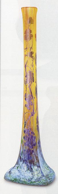 ドーム「葡萄文花瓶」